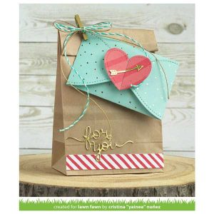 Lawn Fawn Gift Card Heart Envelope Die class=